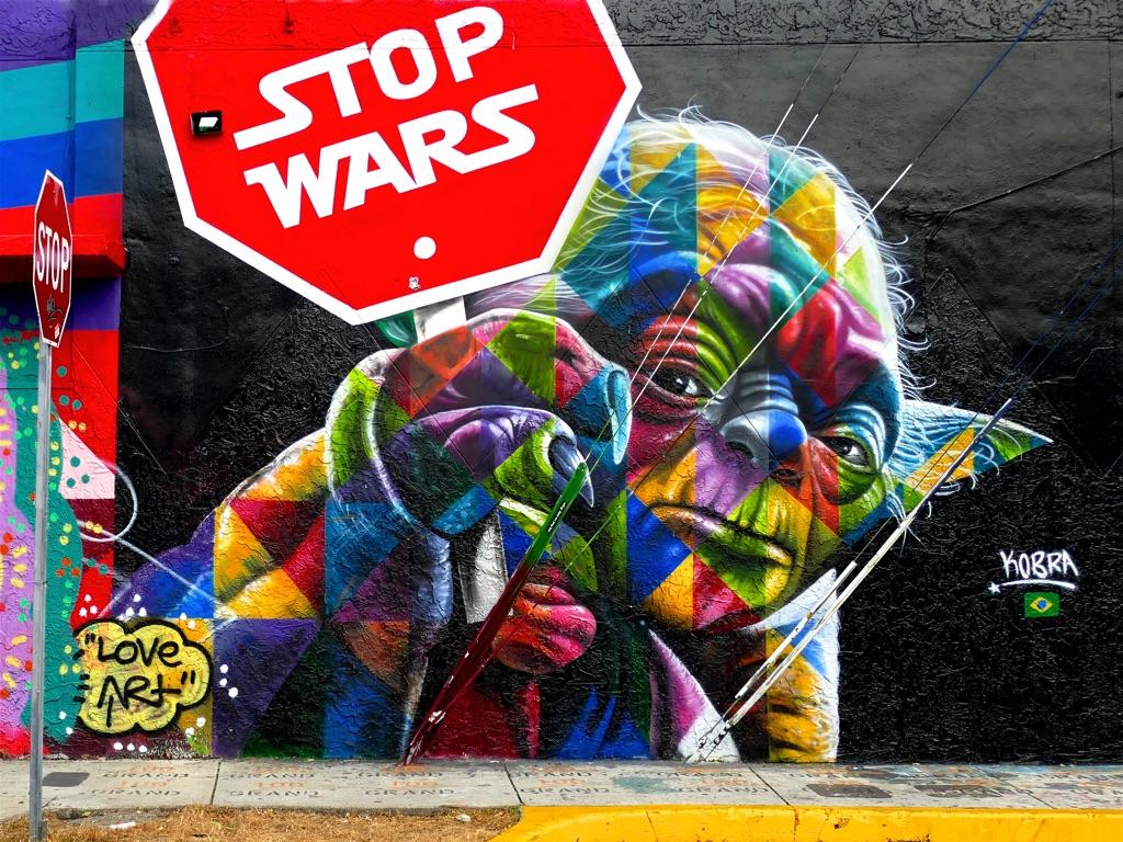 HostedByJL - Galerie d'art en ligne - Carine Poletti - Stop Wars